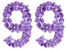 Número árabe 99, noventa y nueve, de las flores de la viola, aisladas Fotografía de archivo