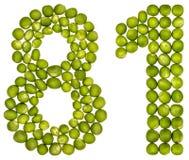 Número árabe 81, ochenta uno, de los guisantes verdes, aislados en pizca Imagen de archivo libre de regalías