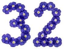 Número árabe 32, treinta y dos, de las flores azules del lino, isolat Fotos de archivo libres de regalías