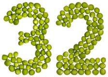 Número árabe 32, treinta y dos, de los guisantes verdes, aislados en pizca Imagen de archivo
