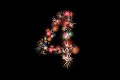 Número 4 Alfabeto del número hecho de fuegos artificiales reales Imágenes de archivo libres de regalías