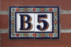 Número de casa de cerámica B5 Dirección del arte Fotografía de archivo