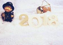Número de madera 2018 en nieve Imagenes de archivo