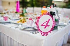 Número do convidado do casamento da tabela 4 no salão do casamento Imagem de Stock