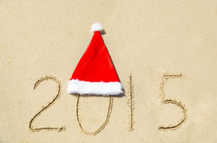 Número 2015 no Sandy Beach - conceito do feriado Fotos de Stock