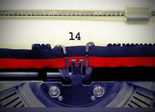 Número 14 por la máquina de escribir vieja en el Libro Blanco Fotografía de archivo libre de regalías