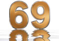 Número 69, sesenta y nueve, reflejado en la superficie del agua, Foto de archivo