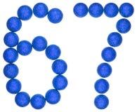 Número 67, sesenta y siete, de las bolas decorativas, aisladas en pizca Fotos de archivo