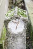 Número siete en una piedra Fotos de archivo
