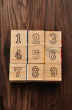Número uno a nueve en bloques del alfabeto Fotos de archivo libres de regalías