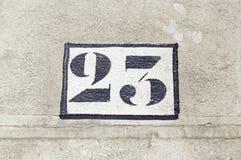 Número veintitrés en una pared Fotografía de archivo