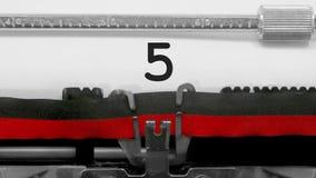 Números con cuenta descendiente en la máquina de escribir vieja