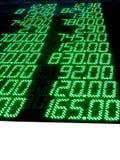 números conservados em estoque verdes (preços), painel conduzido, troca Foto de Stock Royalty Free