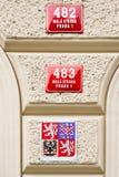 Números de casa y símbolos de Praga Foto de archivo libre de regalías