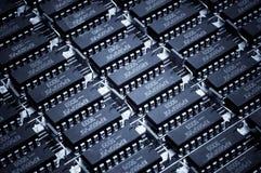 Números de Harmonous de los microcircuitos obsoletos Fondo de la tecnología Fotografía de archivo libre de regalías
