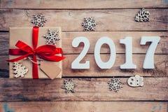 Números de madera que forman el número 2017, por el Año Nuevo 2017 encendido Imágenes de archivo libres de regalías
