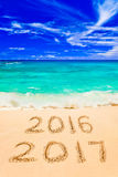 Números 2017 na praia Foto de Stock