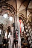 NÜRNBERG, DEUTSCHLAND - 20. JUNI: Innenraum von St. Lorenz (St Lawrence) Lizenzfreie Stockfotos