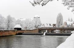 Nürnberg, Deutschland - schneebedecktes Stadtbild des Winters lizenzfreies stockbild