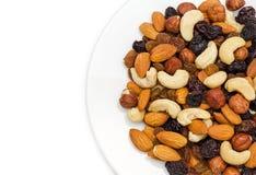Nüsse in der Plattennahaufnahme Stockfotos
