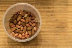 Nüsse, Mandeln und Erdnüsse Lizenzfreie Stockfotos