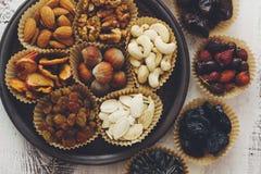 Nüsse und Trockenfrüchte Lizenzfreies Stockfoto