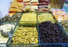 Nüsse und Trockenfrüchte auf einem Markt Lizenzfreie Stockfotografie