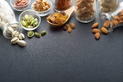 Nüsse und Trockenfutter Lizenzfreies Stockbild