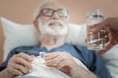Nützliche Pillen, die offen sind lizenzfreies stockbild