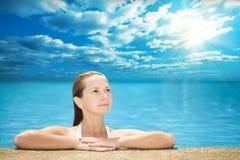 κολυμπώντας γυναίκα λιμ&n Στοκ φωτογραφία με δικαίωμα ελεύθερης χρήσης