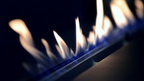 ??n Biofireplace-brandwond op ethylalcoholgas stock videobeelden