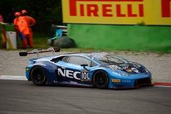 ¡N de Lamborghini Huracà de la serie de Blancpain GT que compite con en Monza Imágenes de archivo libres de regalías