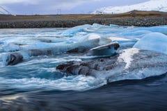 ³ n del rlà del ¡ di JökursÃ: la spiaggia di icerber, di ghiaccio e di freddo Fotografia Stock