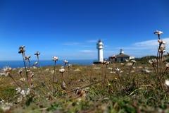 ¡ N Faros de Cabo Touriñà Stockfotos