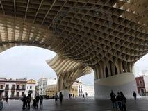 N?gonstans i mitt av ingenstans i Seville, Spanien royaltyfria foton