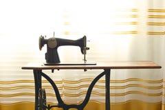 N?hmaschinenahaufnahme retro weinlese stockbild