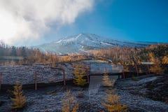 N?ra ?vre sikt av det Fuji berget royaltyfri fotografi