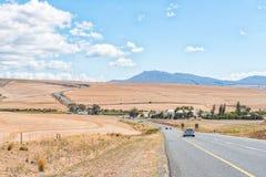 N2-Road mellan Caledon och Botrivier Fotografering för Bildbyråer