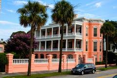 Één van de echt mooie zuidelijke stijlhuizen in Charleston, Sc Royalty-vrije Stock Foto's