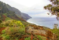 Na梵语在考艾岛夏威夷的海岸足迹 库存照片