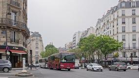Na alei Versailles są poruszający samochody i pedestrians Obrazy Royalty Free