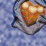 Na błękitny tle piernikowy serce Obraz Stock