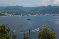 Na baía do mar Ligurian Imagens de Stock