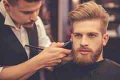 Na barbearia imagens de stock