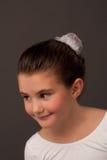 na boku baletniczego tancerza mały uśmiechnięty target1839_0_ Obraz Royalty Free