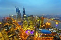 na boku centrum pieniężnego huangpu lujiazui Oriental perełkowy rzeczny Shanghai basztowy tv widok Szanghaj Lujiazui Zdjęcie Royalty Free