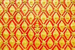 Na ścianie sztukateryjny Tajlandzki wzór obraz royalty free