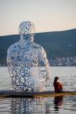 Na costa de Tivat é um monumento atrativo Fotos de Stock Royalty Free