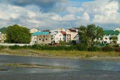 Na costa do rio Fotos de Stock Royalty Free