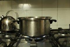 Na cozinha Fotos de Stock Royalty Free